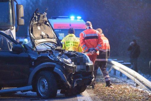 56-Jähriger wird in Auto eingeklemmt