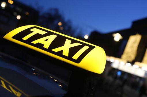 Taxifahrer soll junge Frau sexuell belästigt haben