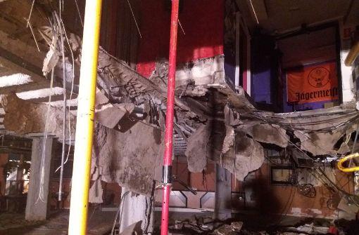 Fußboden in Nachtclub bricht ein
