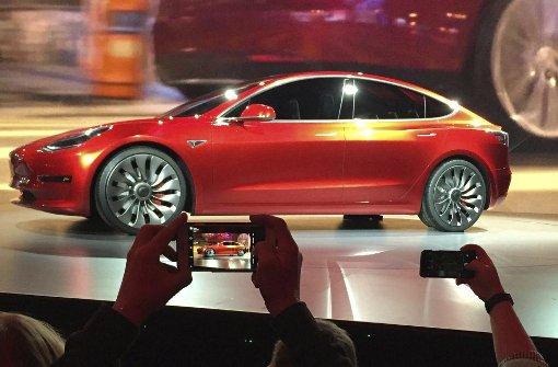 Tesla wechselt auf die Überholspur