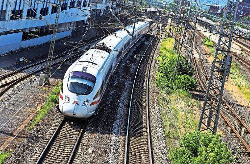 Nach Brandanschlägen: Züge Berlin-Hannover fahren nur eingeschränkt