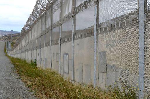 Prototypen für Grenzmauer wird gebaut