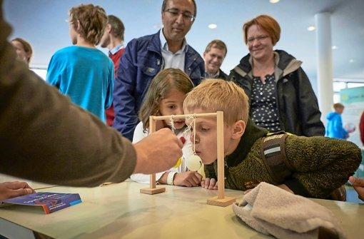 Uni tag  Tag der Wissenschaft: Uni Stuttgart öffnet die Labortüren ...