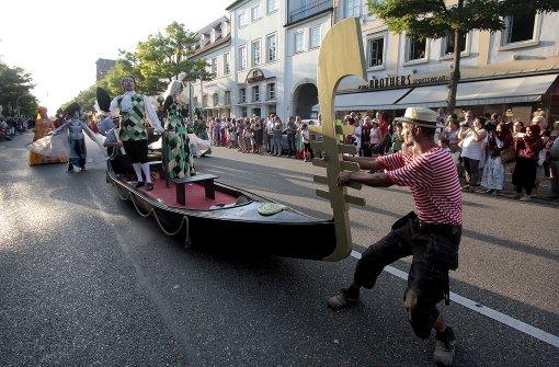 Etwa 1200 Kostümträger sind an dem Wochenende in der Stadt.  Foto: factum/Granville