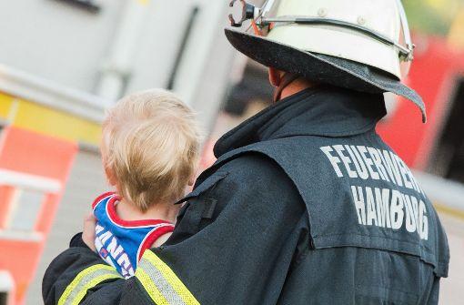 Bart ab! Feuerwehr-Chefin ruft zur Rasur auf