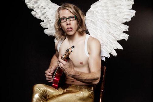 Scheinheiliger mit Gitarre und zwei Flügeln