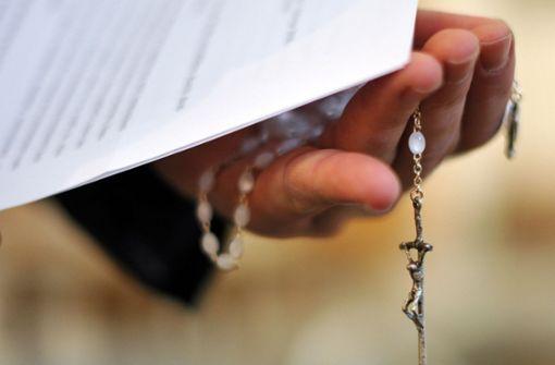 Der jetzt in Mannheim angeklagte Priester hat früher dem Jesuitenorden angehört, mit dem Armutsgelübde hatte er allerdings Probleme. Foto: dpa