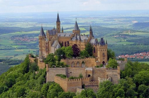 how to get to hohenzollern castle from stuttgart
