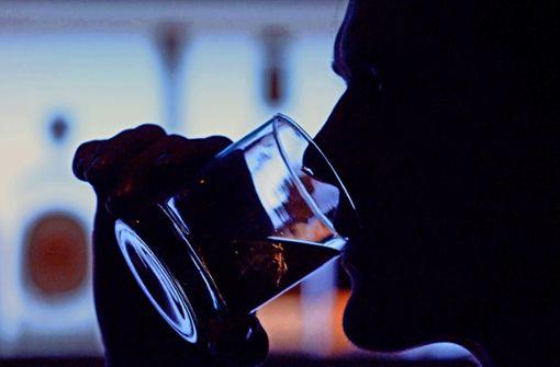 27 Menschen sterben an Alkoholvergiftung