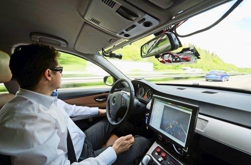 Auf der A 81 erprobt Bosch das autonome Fahren Foto: dpa
