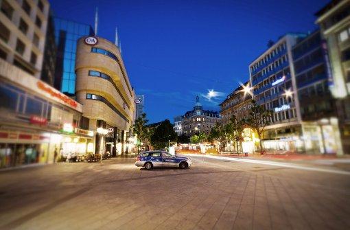 Ein mutmaßlicher Taschendieb wendet sich am Sonntag in Stuttgart an die Polizei - er war selbst beraubt worden (Symbolbild). Foto: Leserfotograf zouboulisfoto