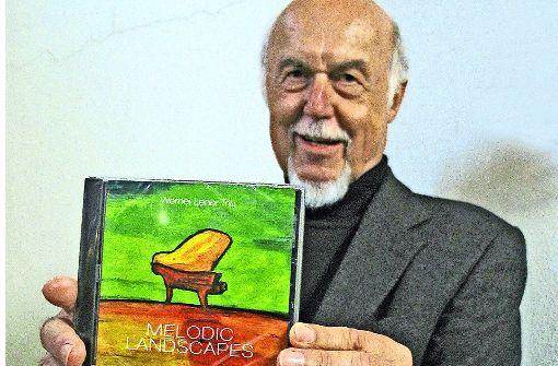 """Die CD """"Melodic Landscapes"""" haben Werner Lener  und seine Mitmusiker im heimischen Wohnzimmer  aufgenommen. Foto: sm"""