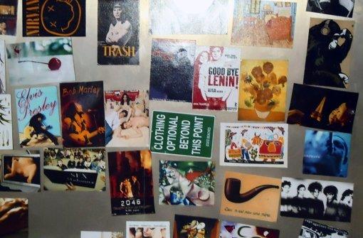 """Von """"Goodbye Lenin"""" bis Elvis Presley – die Bildersammlung des 19-Jährigen Diego ist faszinierend vielfältig. Foto: Ina Schäfer"""
