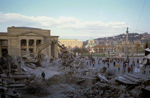 Im Jahr 2002 wurde die Freitreppe schon wieder abgerissen. Foto: Landesmedienzentrum Baden-Württemberg