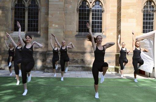 Die Tanzgarden der Gesellschaft Zigeunerinsel haben am Samstag und Sonntag für Unterhaltung und gute Stimmung gesorgt. Foto: Fatma Tetik