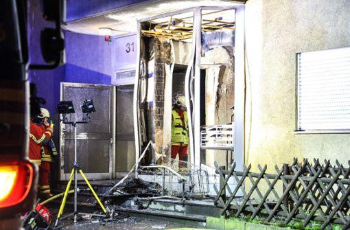 Vor allem durch die Rauchentwicklung im Treppenhaus entstand ein Schaden von 50.000 Euro. Foto: 7aktuell.de/Christina Zambito