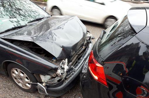 Bei einem Auffahrunfall in Stuttgart sind neun Menschen im Alter von fünf bis 62 Jahren verletzt worden.  Foto: 7aktuell.de/Jens Pusch