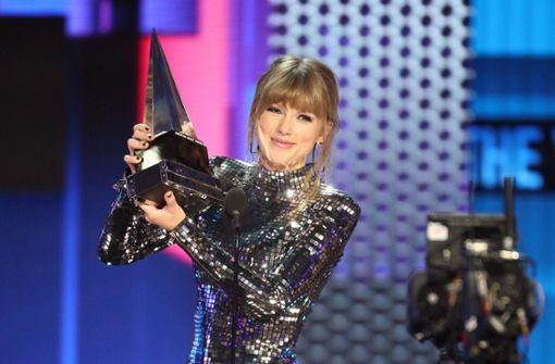 Taylor Swift räumt ab – und ruft zum Wählen auf