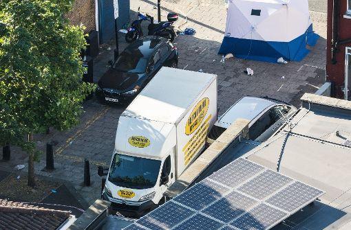 Der Lieferwagen, mit dem in der Nacht zum Montag ein Anschlag auf eine Moschee in London verübt wurde, stammt aus Wales. Foto: London News Pictures via ZUMA
