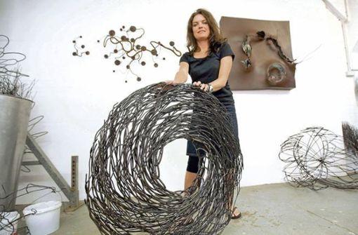 Manuela Tirlers Blüten aus Stahl