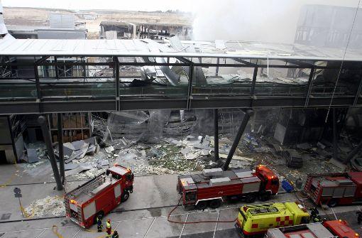Viele Verletzte bei Explosion in einer Lagerhalle