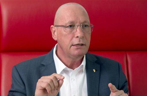 Porsche-Betriebsrat verteidigt Schröders Rosneft-Engagement