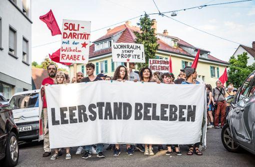 Protest gegen die Räumung der besetzten Wohnungen durch die Polizei. Foto: Lichtgut/Julian Rettig