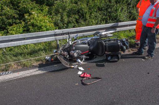 Zwei Schwerverletzte bei Spurwechsel-Unfall