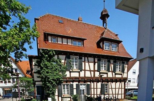 Im alten Höfinger Rathaus ist der Wurm drin