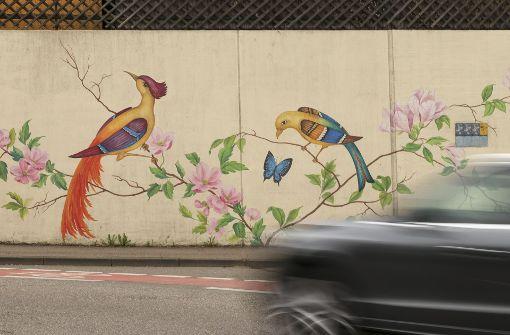 Diese märchenhaften Vögel halten Sprayer seit mehr als fünf Jahren fern. Foto: factum/Granville