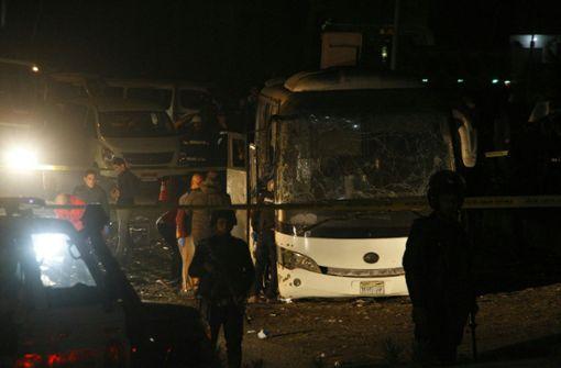 Explosion trifft Touristenbus bei Pyramiden – vier Tote