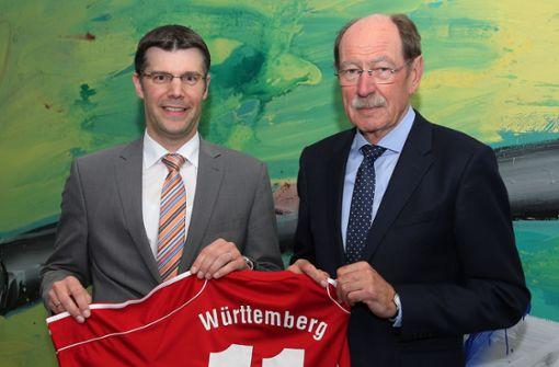 Unterschiedliche Charaktere: WFV-Präsident Matthias Schöck (li.), Vorgänger Herbert Rösch. Foto: Baumann