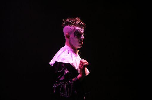 """Clown Merlin führt durchs Programm in der Friedrichsbau-Show """"Circus, Circus"""". Foto: Klaus Schnaidt"""