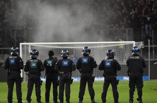 Sollen sich die Vereine an den Kosten für Polizeieinsätze beteiligen?