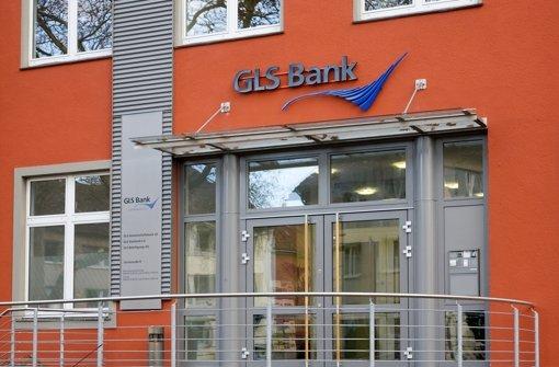 Der Eingang zum Hauptsitz der GLS Bank in Bochum. Die Gemeinschaftsbank ist das nachhaltigste Geldinstitut in Deutschland. Foto: GLS Bank