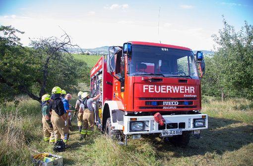 """""""Vermutlich ist der Traktor umgekippt, als der Fahrer versuchte, auf  dem abschüssigen Gelände zu wenden"""", teilte ein Polizeisprecher mit.  Foto: 7aktuell.de/Sven Adomat"""