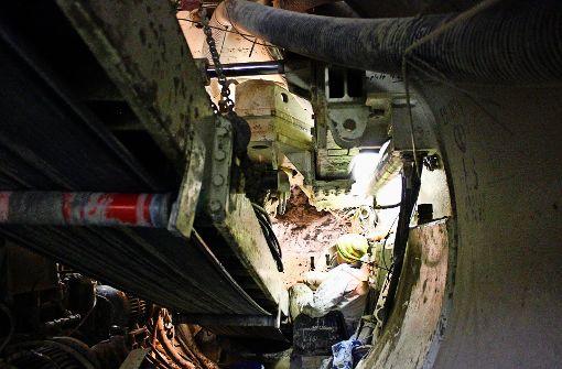 Mit 80 Tonnen Druck durch den Untergrund