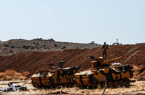 Türkische Armee rückt in syrische Rebellenprovinz ein