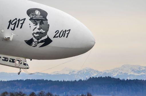 Auf Rang 4 landet der Luftfahrtbereich (Bild: der Zeppelin von Zeppelin Luftschifftechnik aus Friedrichshafen). In dieser Branche liegt der Durchschnittsverdienst bei knapp 66000 Euro.  Foto: dpa