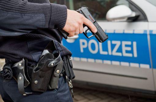Adresse von Polizist veröffentlicht – Aufmarsch von Vermummten