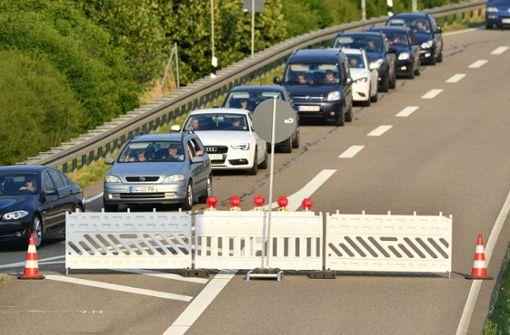 Vollsperrung der A6 in beide Richtungen