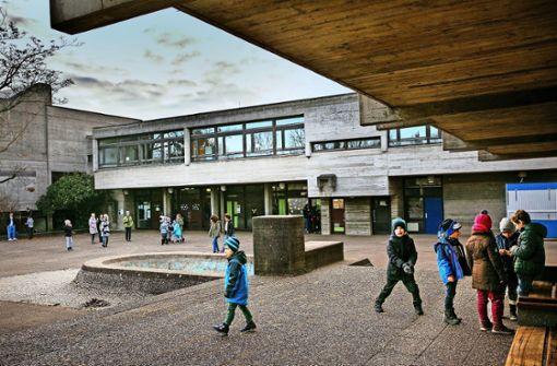 Wenn Schulgebäude auf einmal zu groß sind
