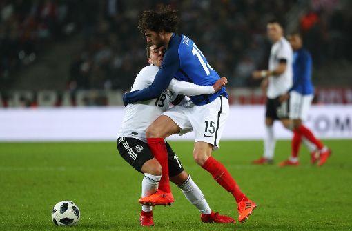 Götze gegen Rabiot: Das Duell Deutschland gegen Frankreich endet 2:2 Foto: dpa