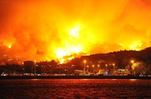 ... Feuerwehr und Soldaten konnten dies verhindern. Foto: HINA