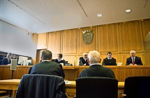 Ein 83-Jähriger muss sich vor dem Landgericht Heilbronn wegen des Vorwurfs des Totschlags verantworten.  Foto: dpa