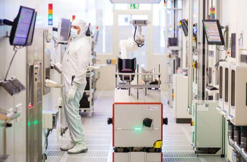 Unter den Branchen mit den höchsten Verdienstmöglichkeiten in Baden-Württemberg belegt die Halbleiterindustrie Platz 5. Im Schnitt verdienen Fach- und Führungskräfte gut 65200 Euro im Jahr. Im Bild: das Halbleiterwerk von Bosch in Reutlingen Foto: dpa