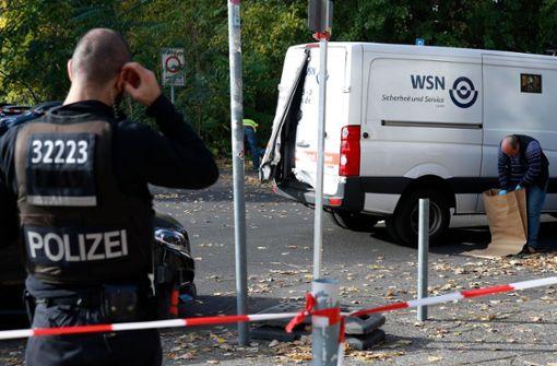 Maskierte überfallen Geldtransporter nahe Alexanderplatz