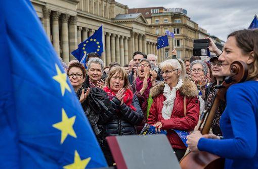 Die Pulse-of-Europe-Bewegung erfährt auch in Stuttgart großen Zuspruch. Foto: Lichtgut/Julian Rettig