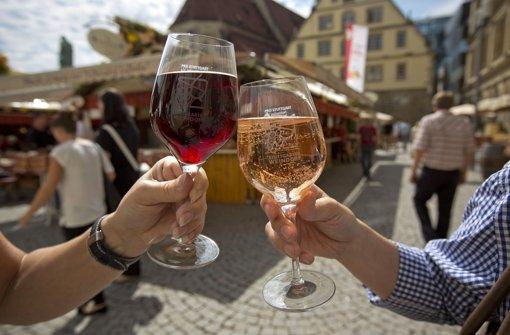 Wie wäre es in dieser Woche mit einem Cannstatter Wein auf dem Weindorf? Foto: Michael Steinert