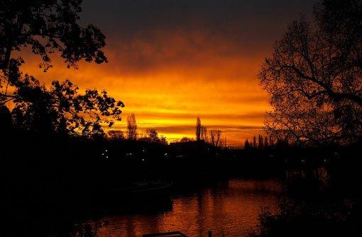 Dieses Foto wurde gegen 7.30 Uhr am Neckar in Bad Cannstatt aufgenommen. Foto: Benjamin Bauer